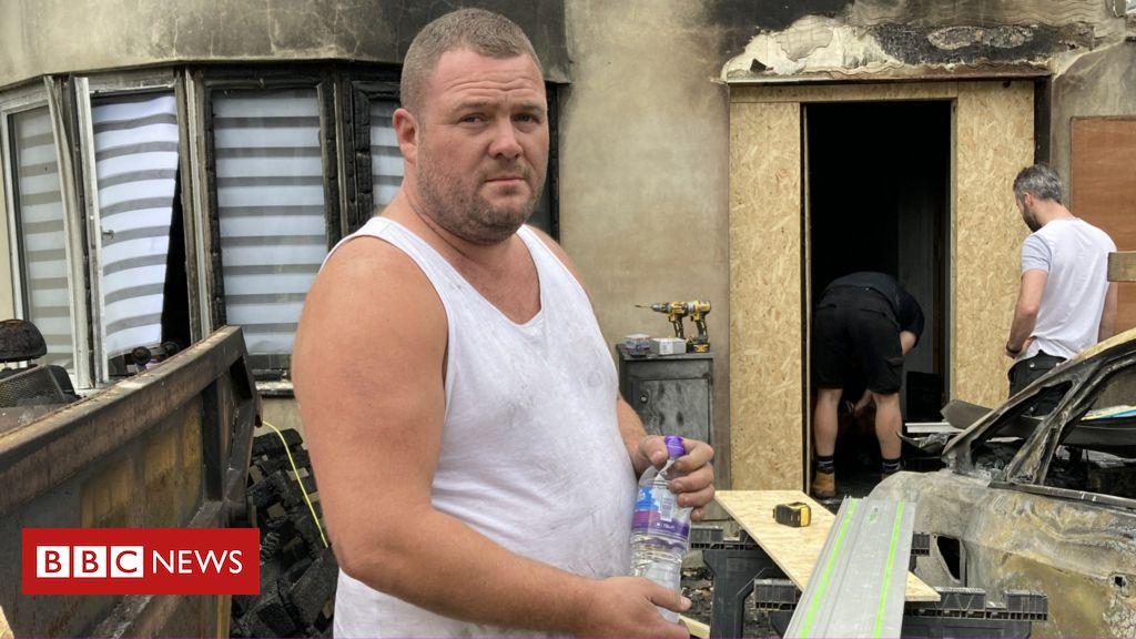 The Smithy Family: Police investigate TikTok influencer's house fire - BBC News